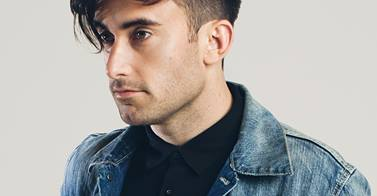 "Phil Wickham – ""Carry My Soul"" (Live Acoustic Version)"