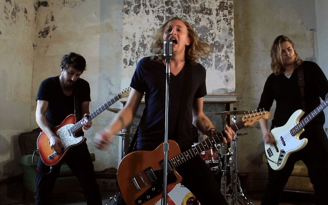 """Southbound Fearing """"Easy Way Out"""" Official Music Video"""